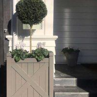 Hampton style garden planters