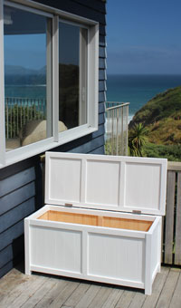 BoxSeat Outside Open - Arctic White